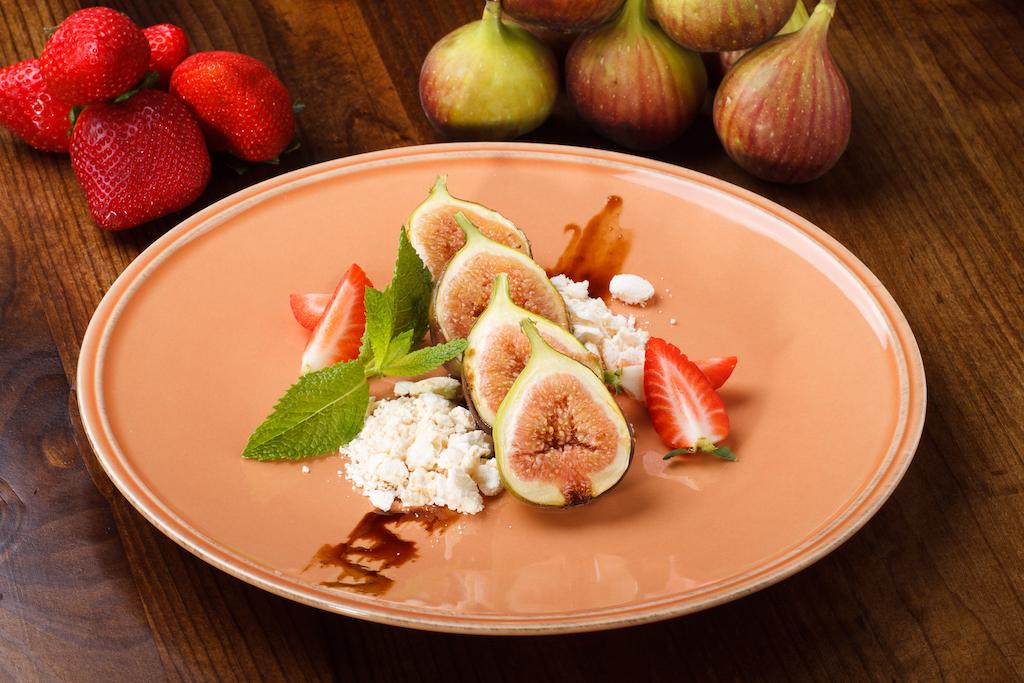 Figos grelhados com merengue crocante