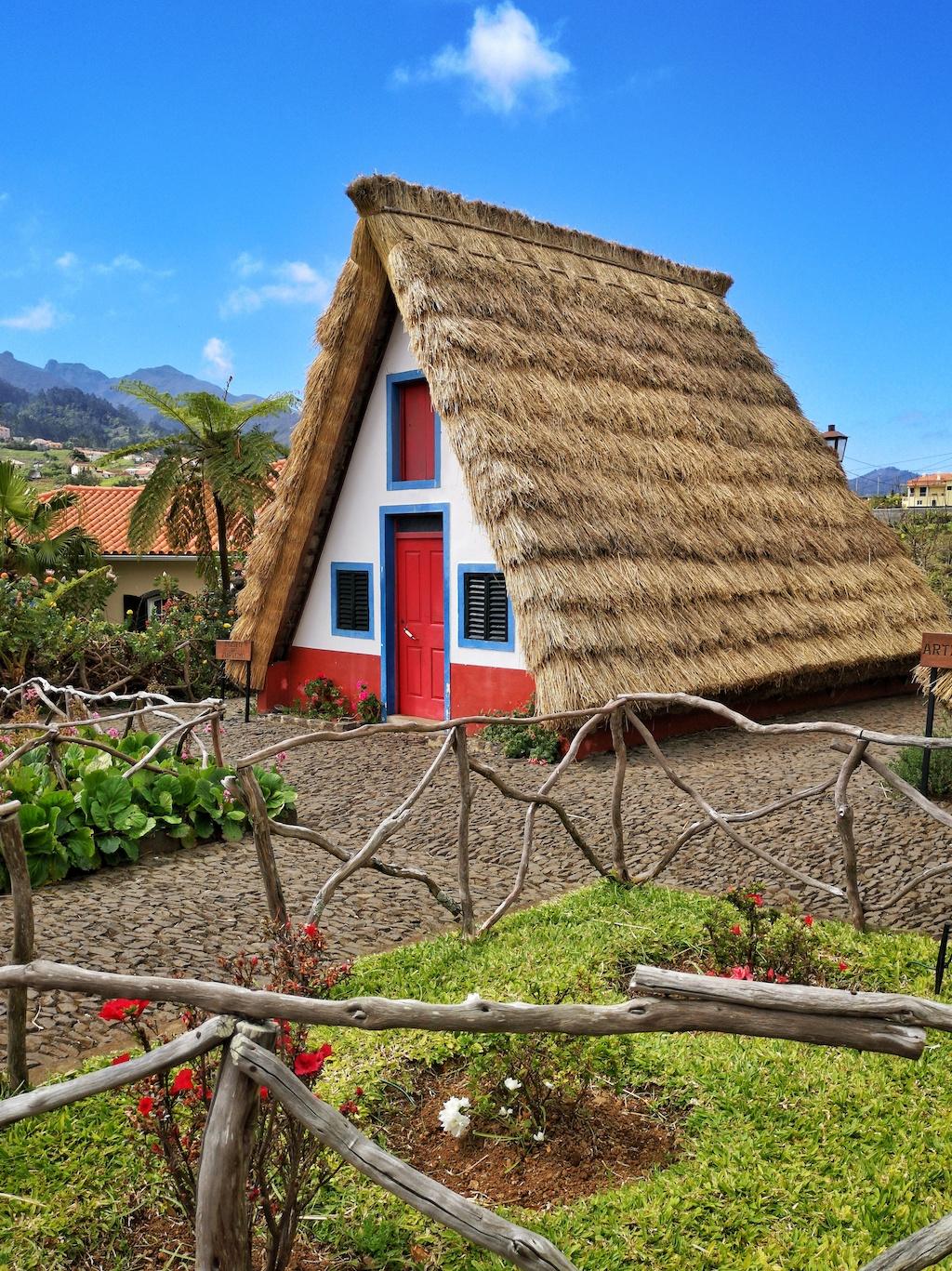 Casas típicas de Santana ©Duarte Rocha