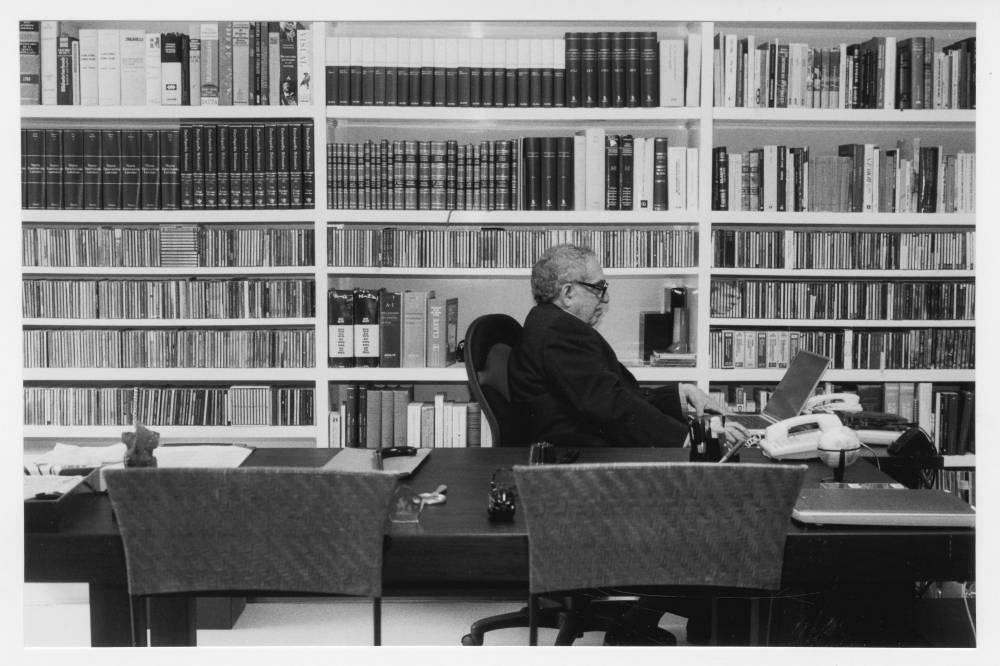Gabriel Garcia Marquez no seu escritório/ ©Peter Badge/Harry Ransom Center, Universidade do Texas