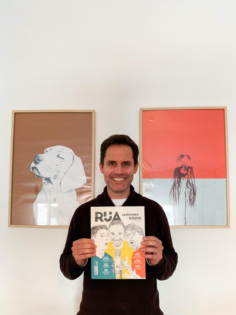 Filipe Duarte com a Revista RUA #34 ©Nuno Sampaio