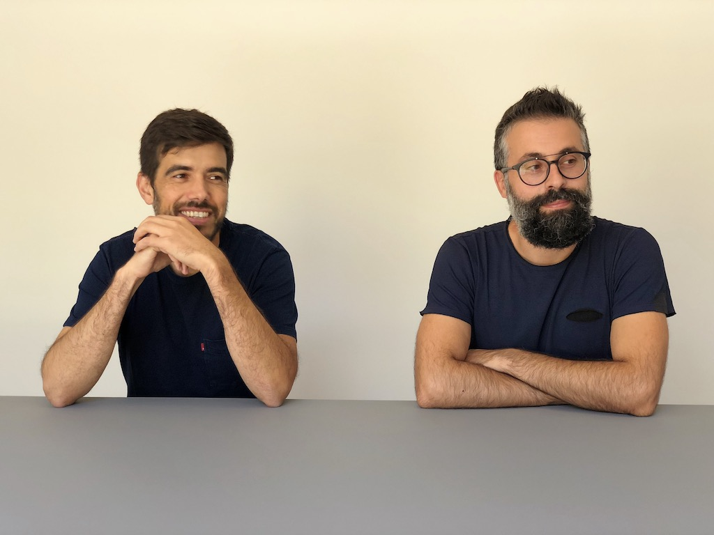 Henrique Marques e Rui Dinis, diretores criativos do atelier Spaceworkers